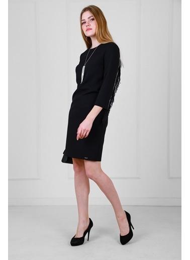 JEANNE D'ARC Sırtta Taş Ve Püskül Detaylı Kolyeli Truvakar Kol Elbise  Siyah